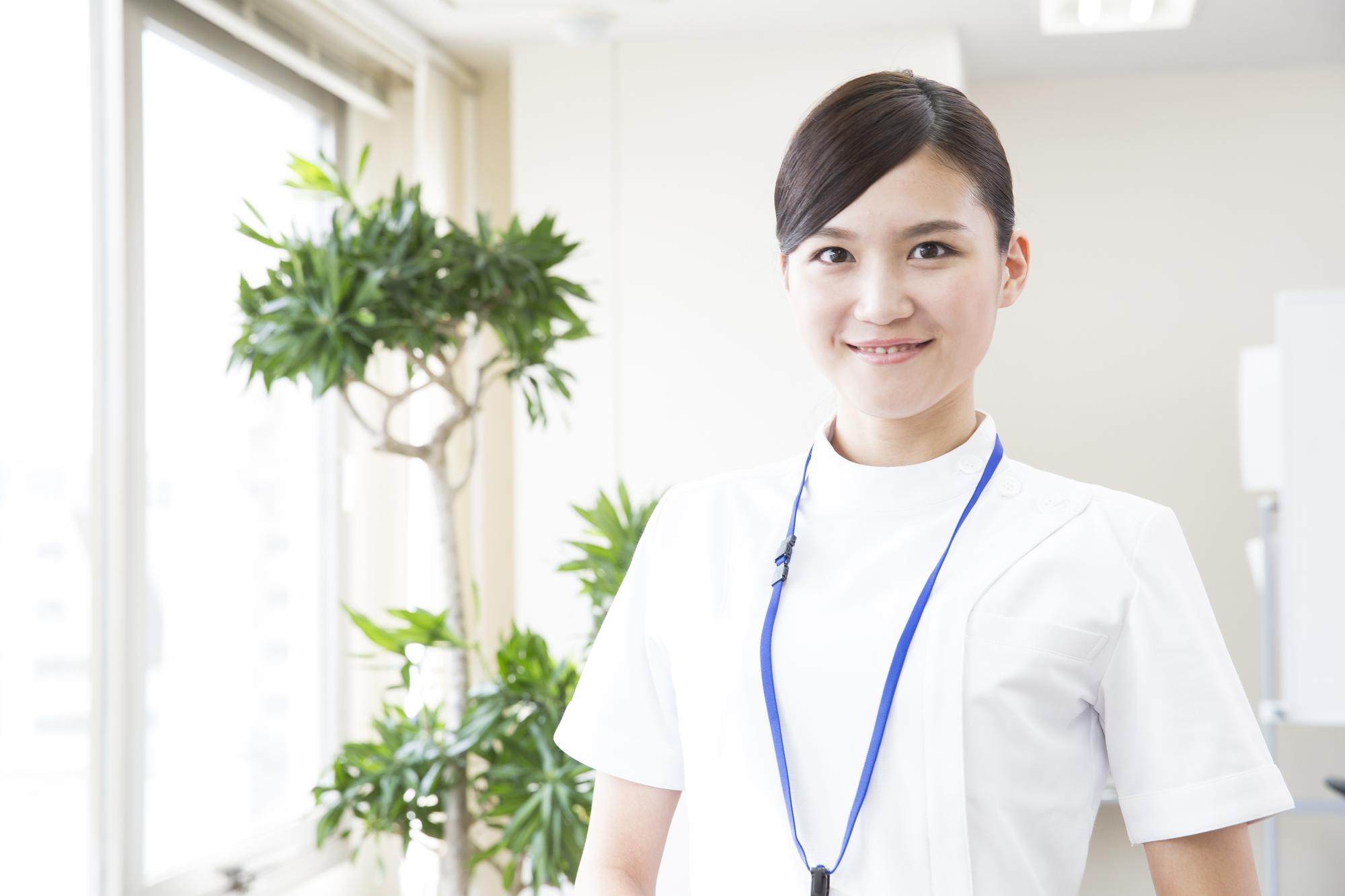 精神科へ介護士として転職できる?仕事内容・給与は?